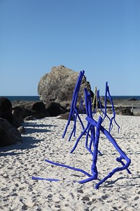 Blue Dancers Prelude & Quintet, Rainer Schlueter - Swell Sculpture Festival 2013, Visit 1; Currumbin, Gold Coast, Queensland, Australia; 18 September 2013. Photos by Des Thureson