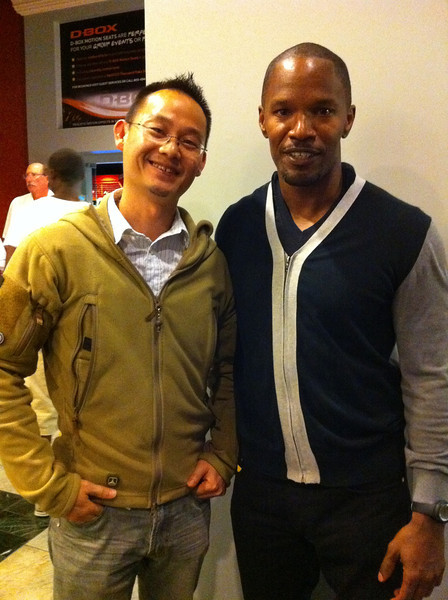 Good ol' Jamie Foxx hanging out at the movie theater. He was hiding in a corner, but he's one of my favorite actors, so I had to say hello.