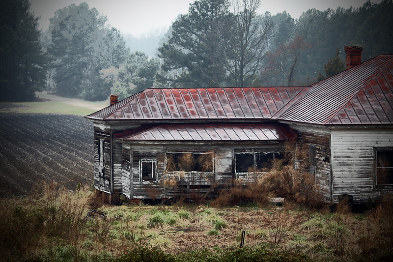 Old Southern Farmhouse in the rain