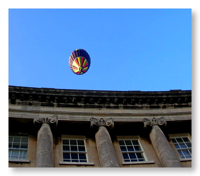 Balloon Over the Royal Crescent 2009