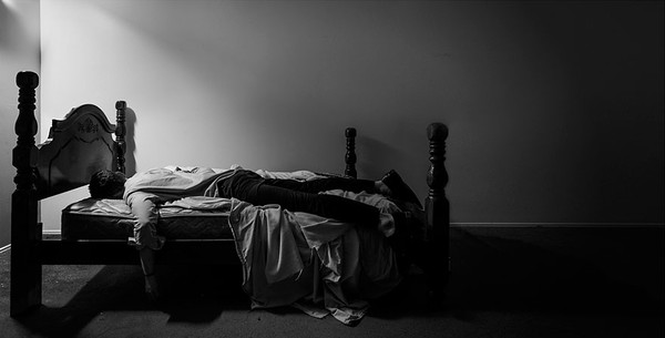 Photogreper documents depression self portraits Edward Honaker