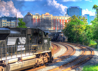 "NS ""Thoroughbred"" 2695 meets NKP ""Iron Horse"" 765"