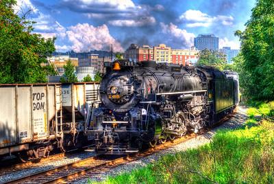 NKP 765 rolls through downtown Pittsburgh