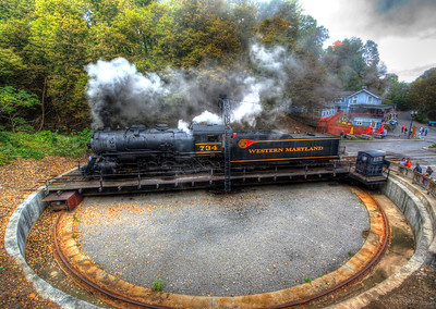 WM 734 on the turntable at Frostburg