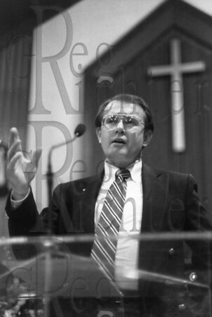 Radio talk show host Hank Erwin speaks at church. (Shot for Daily Mountain Eagle, 1990)