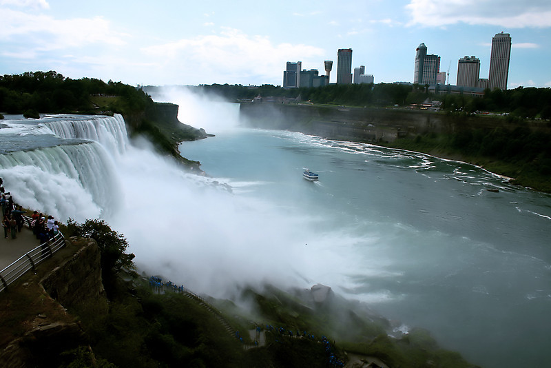 "See more of Niagara Falls :<br />  <a href=""http://www.salehphotography.com/Landscapes/Falls"">http://www.salehphotography.com/Landscapes/Falls</a>"