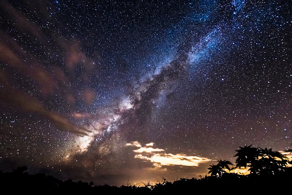 Milky Way over Thompson road, Maui