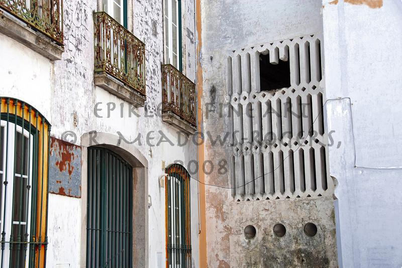 <center>Cornered Seduction Evora, Portugal © R. Meadows-Rogers, 2008</center>