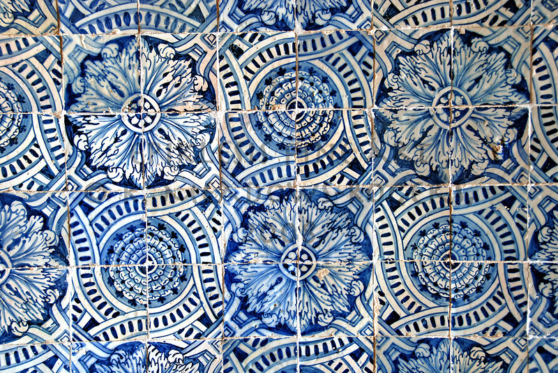 <center> Oneiric Template Convento di Cristo, Tomar, Portugal  © R. Meadows-Rogers, 2008</center>