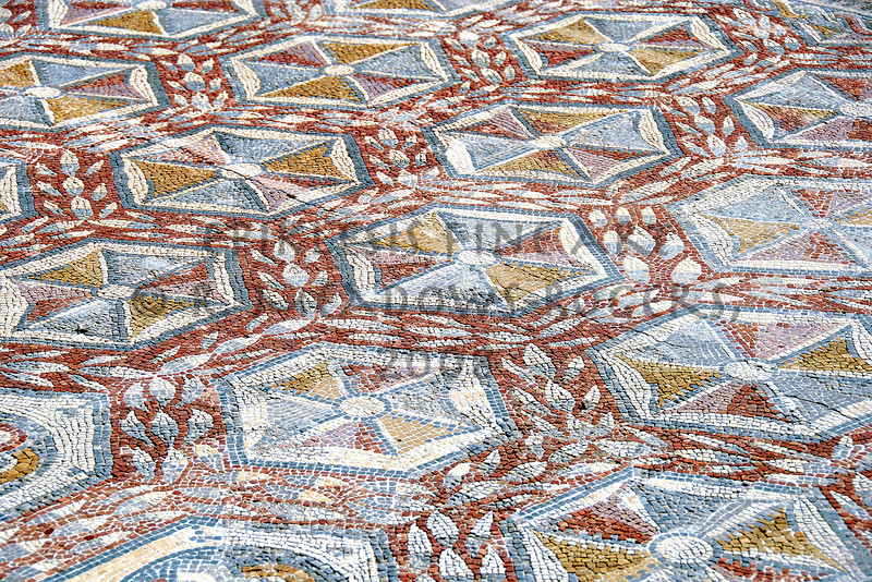 <center>Stimulus to Stumbling Roman Floor, Conimbriga, Portugal © R. Meadows-Rogers, 2008</center>