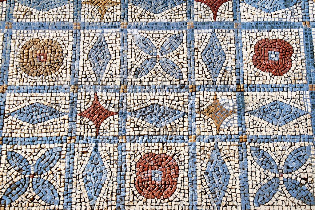 <center>Ludic Floor Roman Mosaic, Conimbriga, Portugal © R. Meadows-Rogers, 2008</center>