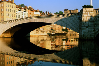 Bridging the Rhone