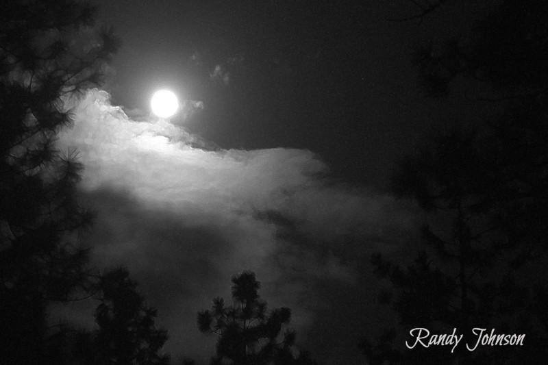 Moon Lens