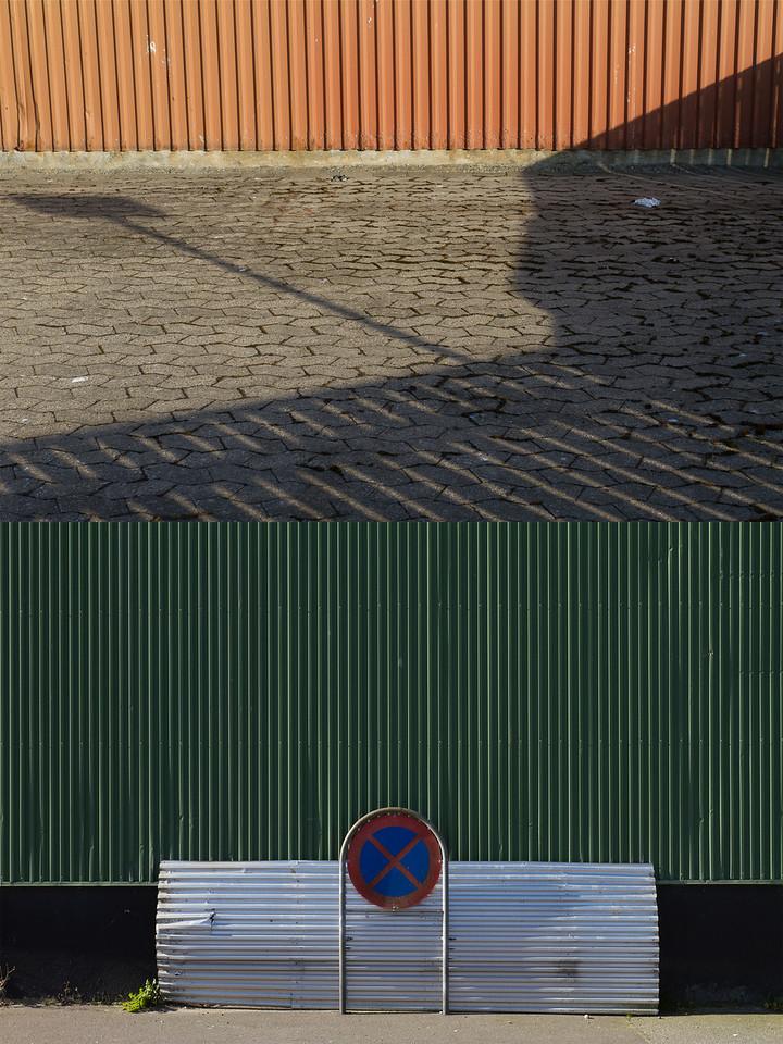 <b>Antagen</b> till Salong! 2012 (Helsingborg konstförenings jurybedömda utställning på Dunker kulturhus i Helsingborg) som visas 4 september-25 november 2012.  <i><b>Admitted</b> at the curated exhibition Salong! 2012, shown at Dunkers kulturhus in Helsingborg during the fall 2012. The exhibiton was arranged by Helsingborgs kontförening.</i>