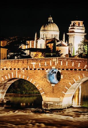 Ponte Pietra Bridge Italy  2144
