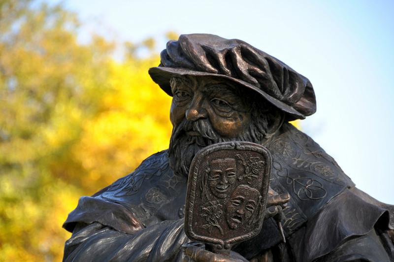 Shakespeare in bronze