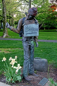 Statue of hitchhiker at Hofstra University.