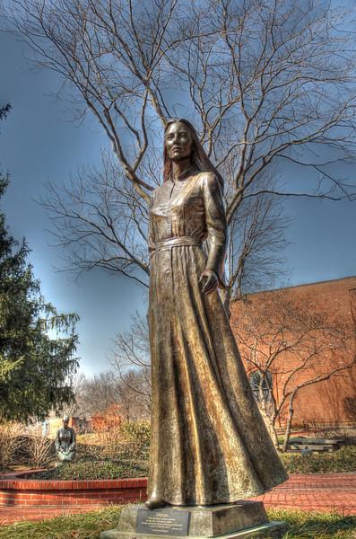 Woman - Dennis Smith, sculptor