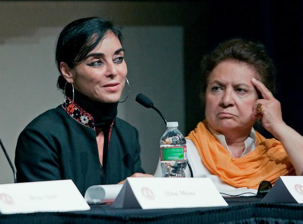 Shirin Neshat, Goli Taraghi