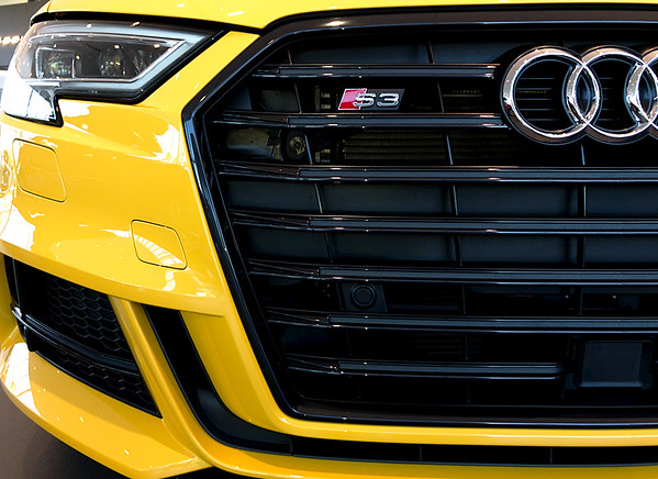 Vegas Yellow S3