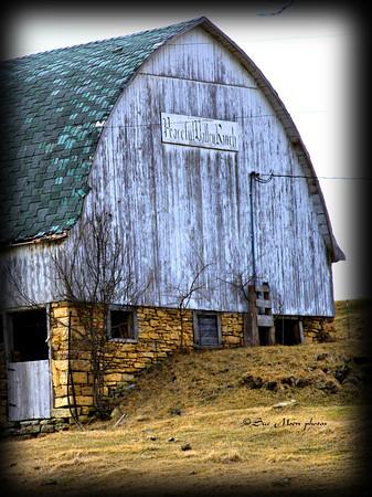 Peaceful Valley Barn_5559669670_o