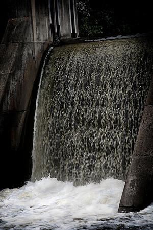 Dam at Yellowstone Lake State Park_4034805175_o