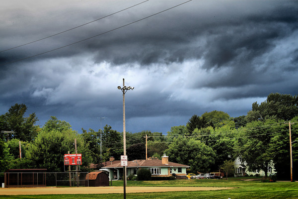Storm Moves In_5009805563_o