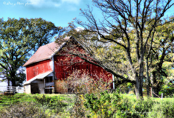 A traditional red barn on a hill between Mt. Horeb and New Glarus.