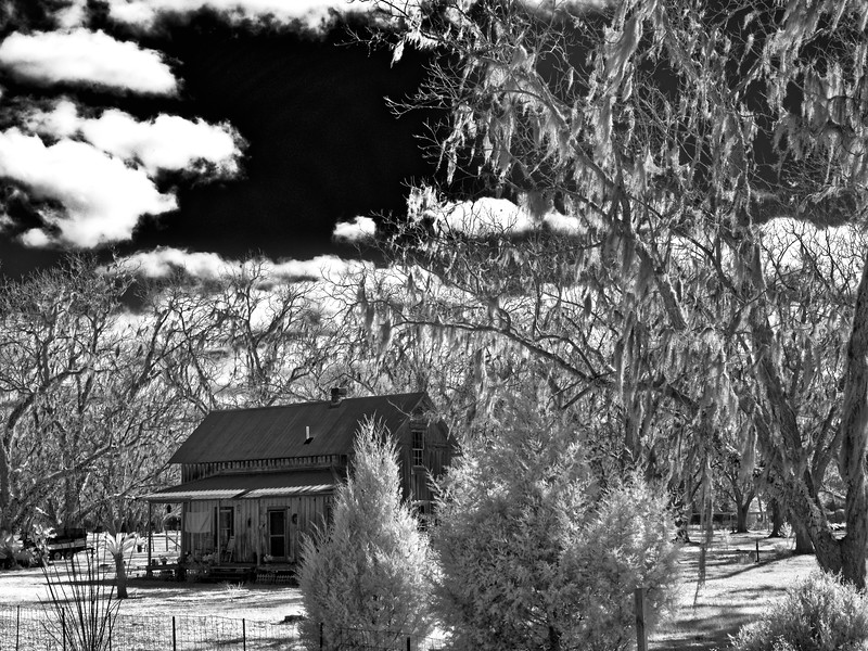 Earleton Farmhouse in Infrared