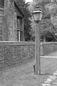 SPRINGMILL LAMP POST ,BLK-WHT