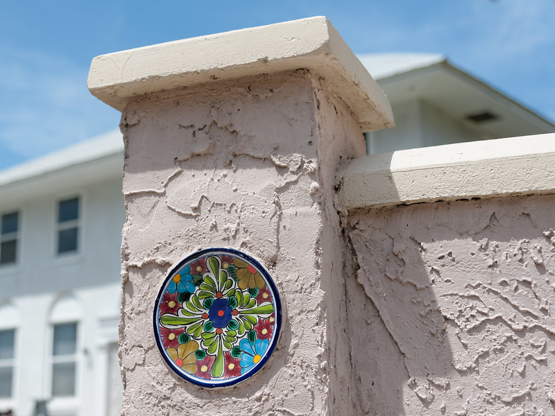 Decorative plate on wall in Cocoa
