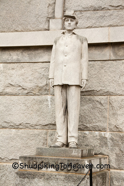 Statue of Civil War Soldier, Camp Randall Memorial Arch, Madison, Wisconsin