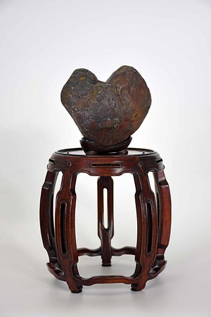 Love-Heart shape stone