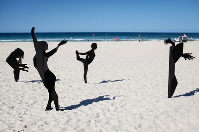 Dancing in the Sun, Alex Polo, Michael Dowling - Swell Sculpture Festival 2016, Visit 1; Currumbin, Gold Coast, Queensland, Australia; 12 September 2016. Photos by Des Thureson - http://disci.smugmug.com