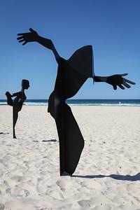 Dancing in the Sun, Alex Polo, Michael Dowling - Swell Sculpture Festival 2016, Visit 1; Currumbin, Gold Coast, Queensland, Australia; 12 September 2016. Photos by Des Thureson - http://disci.smugmug.com