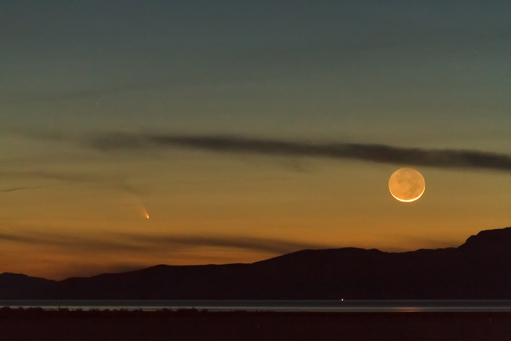 Comet C/2011 L4 (PANSTARRS) over the Great Salt Lake