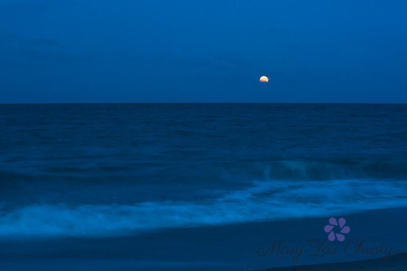 Super Moon rising