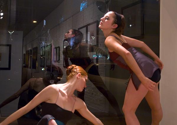 Perlow-Stevans gallery living sculpture