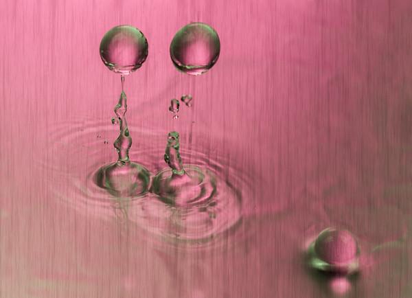 Water Drops and Balls