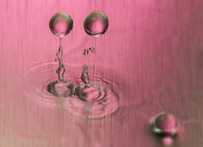 Water Drops and Balls