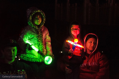 Family with lights 2139