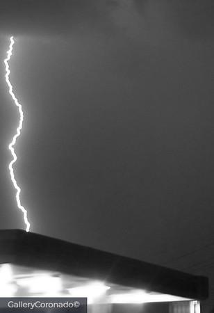 Lightning Cir K B&W 710