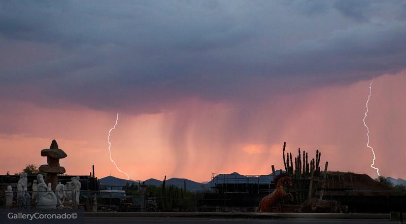 Wild art & splash photography, lightning