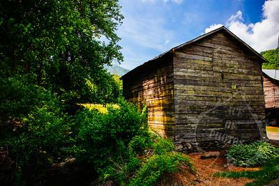 Bob's Barn