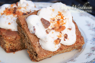 "Sherwood's ""Sweet Story"" Butterfinger Blondies"