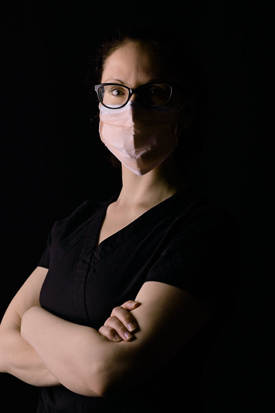 healthcare-worker-n95-Midlength-mask-black-scrubs