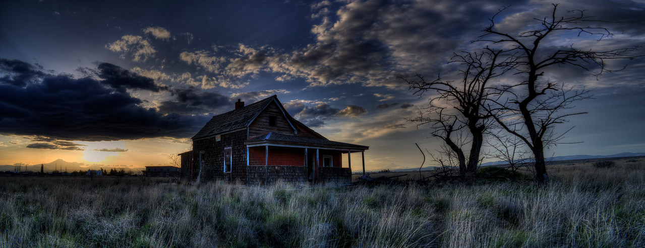 "Abandoned on the Plains 2<br /> Panorama<br /> By Brett Downen<br /> <br /> Printed on archival quality paper or as a Float Mounted MetalPrint<br /> Print sizes: 4"" x 8"", 5"" x 10"", 8"" x 16"", 10"" x 20"", 12"" x 24""<br /> Metal sizes: 10"" x 20"", 12"" x 24"""