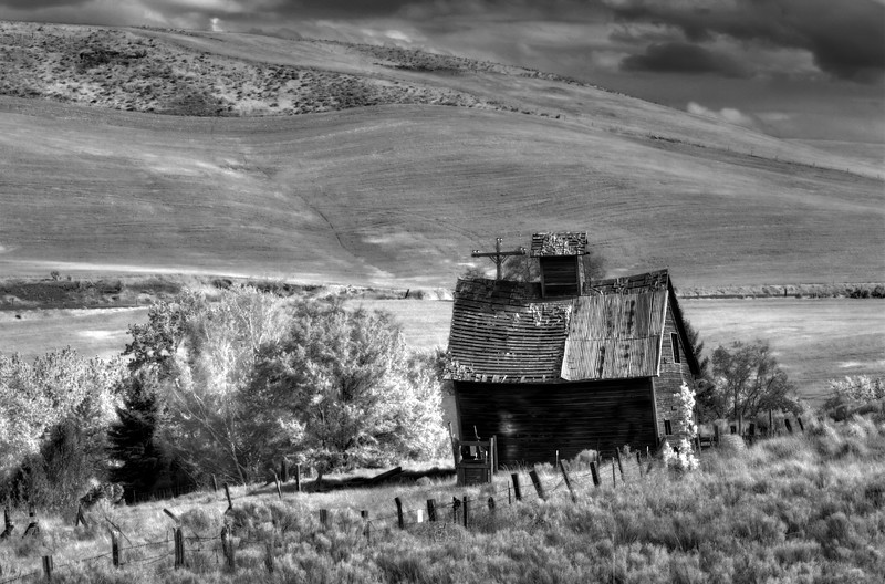 "The Guest House<br /> Boyd, Oregon<br /> By Brett Downen<br /> <br /> Float Mounted MetalPrint<br /> Available sizes: 4"" x 6"", 8"" x 12"", 16"" x 24"". 24"" x 36"""