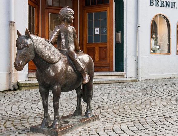 Gutt og Ponny, Kirkegaten i Stavanger