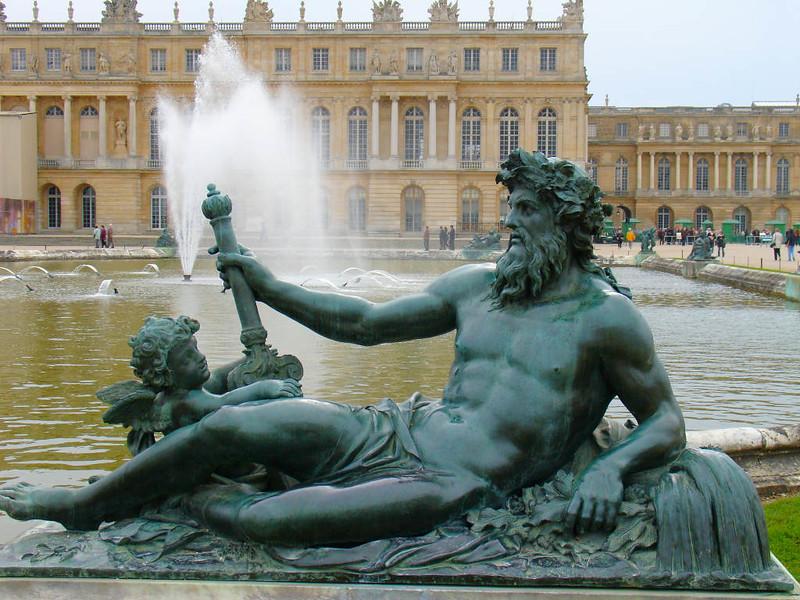 Escultura no Jardim do Palácio de Versalhes